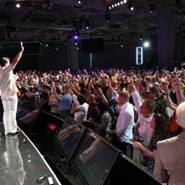 10 bendiciones de servir a Dios
