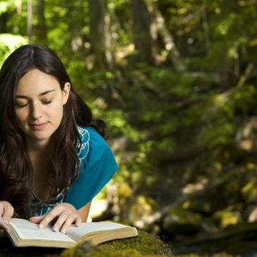 Como los demonios dejan de leer la Biblia