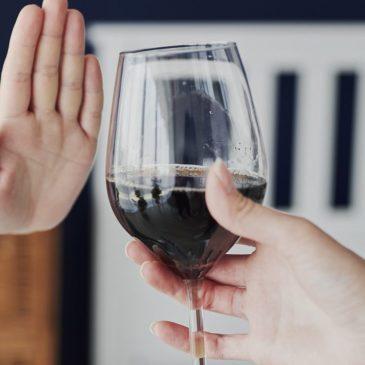 Las bebidas alcohólicas distorsionan la voz de Dios.