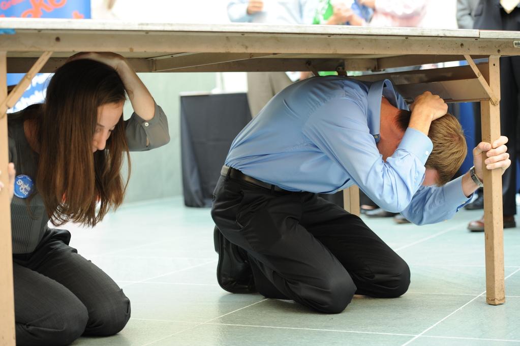 Oración que envía temblores de tierra a las fuerzas enemigas.