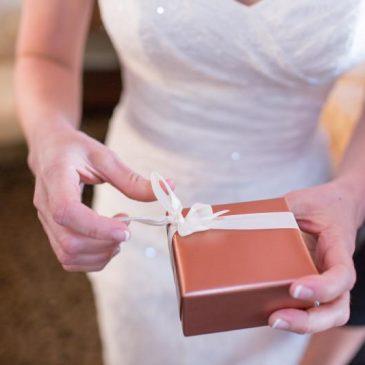 Maldiciones que vienen con los regalos de boda